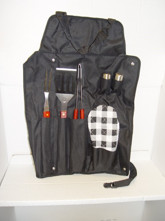 BBQ APRON WITH 6 PC ACCESSORY SET