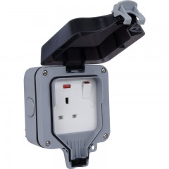 BG Storm Weatherproof IP66 13Amp 1 Gang Switched Socket