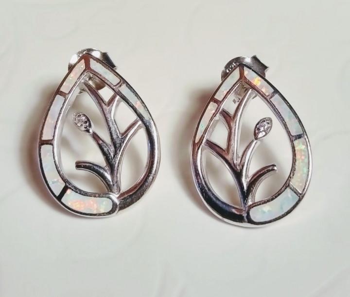 Tree of Life stud Earrings - White - 1,5x2cm
