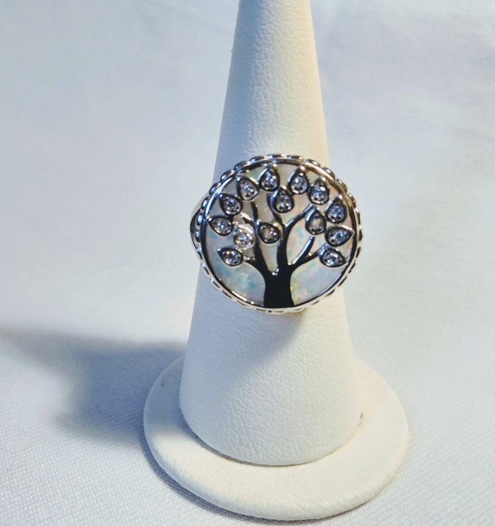 Tree of Life Ring - White - 2x2cm Size 20