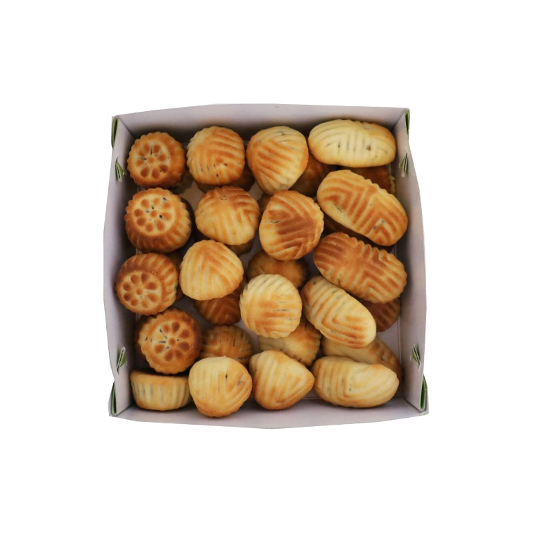 BOX OF LEBANESE MAMOUL MIX (PISTACHIOS, WALNUTS, DATES) - 1kg