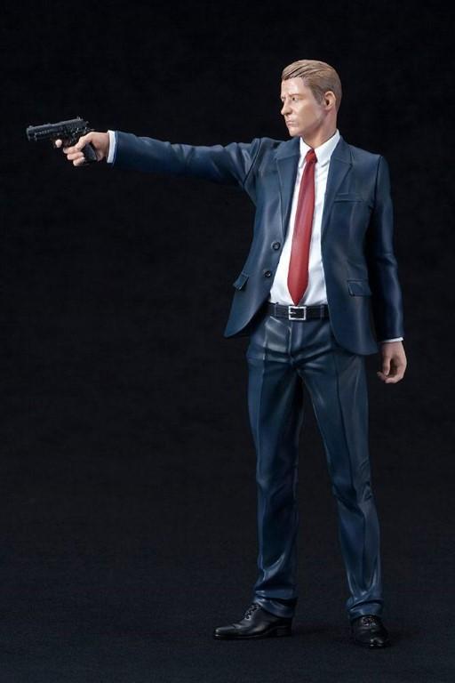 """Gotham ARTFX+ PVC Statue 1/10 James """"Jim"""" Gordon 18 cm"""