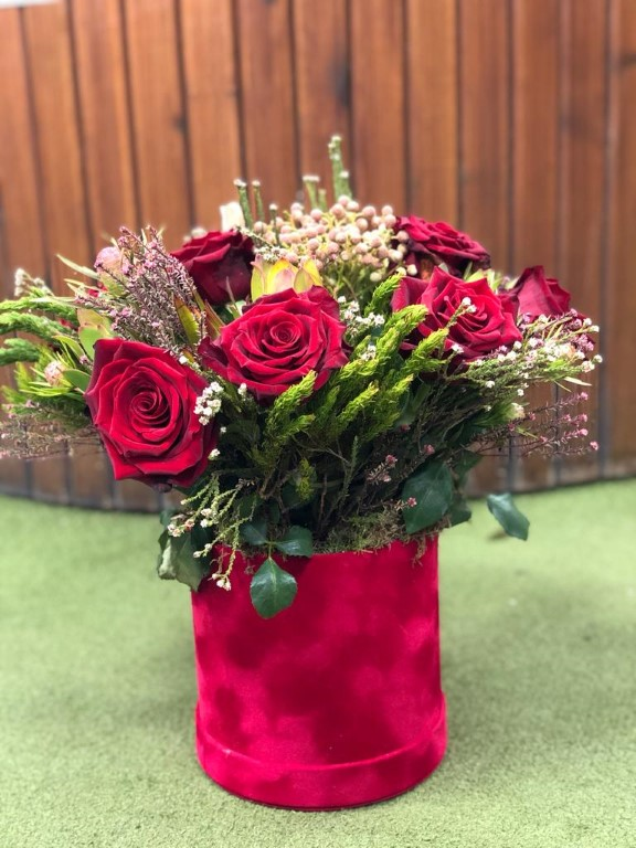 Bouquet of Caps with Roses in a Red Velvet Box