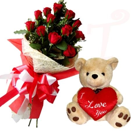 Bouquet of 12 red roses with teddy