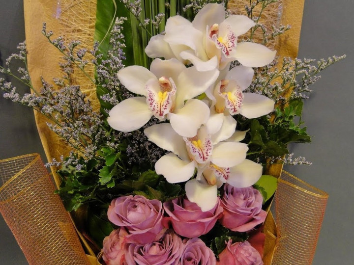 Bouquet Exotic Orchid and roses