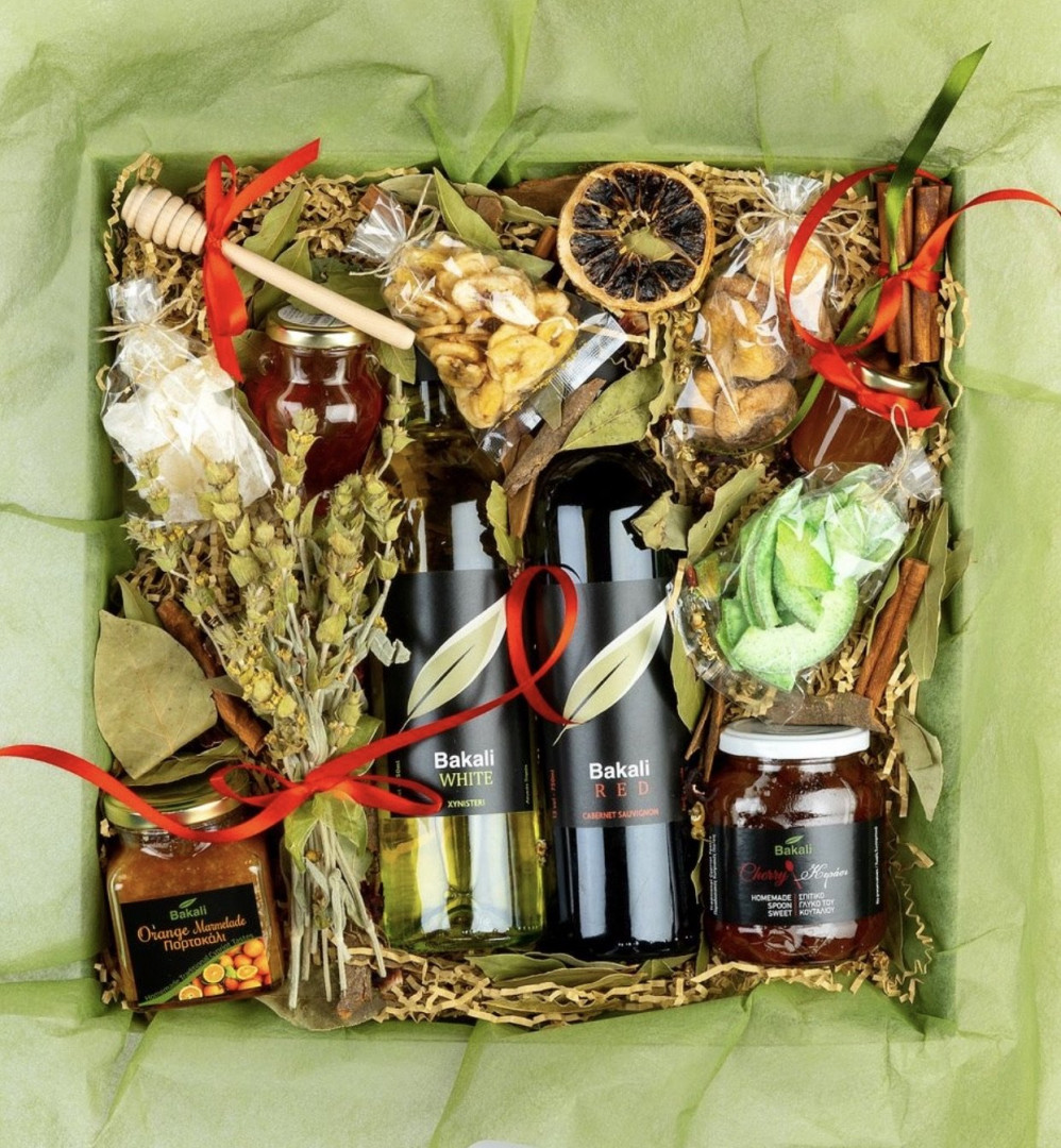 Traditional gift box #104