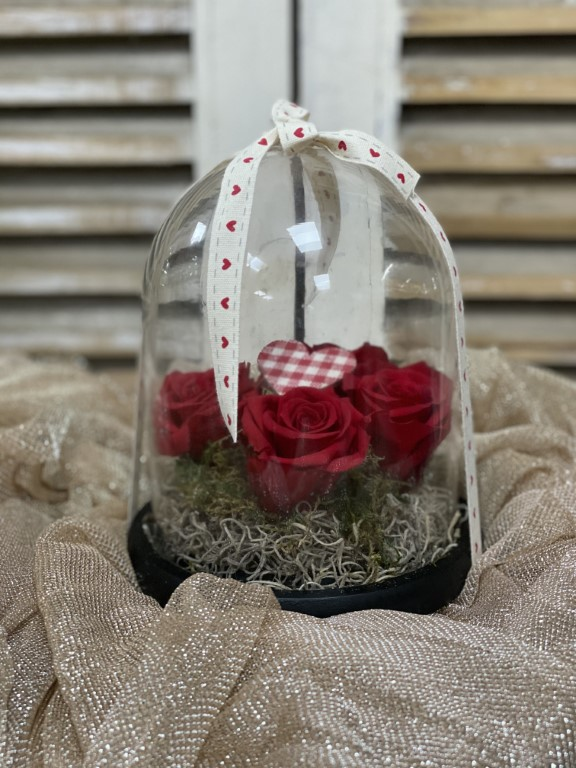 Long Lasting Roses in a Glass Container color Red