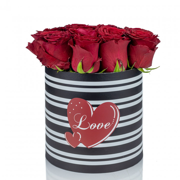 Endless romance - Flower box with 15 red roses