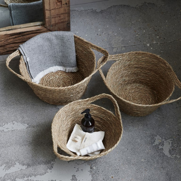 Brown natural basket - large (22cm x 32cm)
