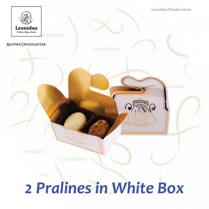 2 Pralines in White Ballotin