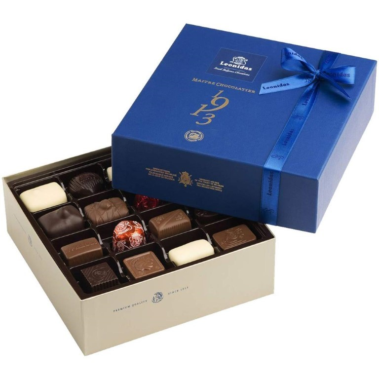 Blue Square Heritage Box with Pralines Large