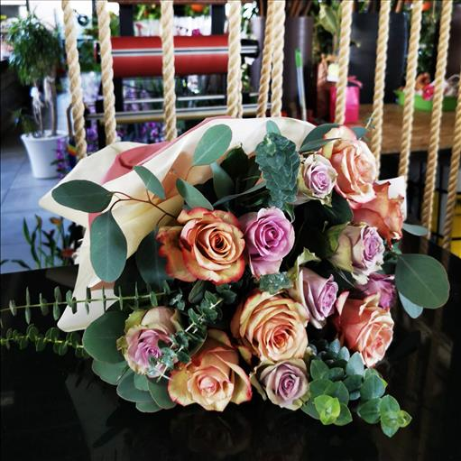 VINTAGE COMBINATION  OF ROSES