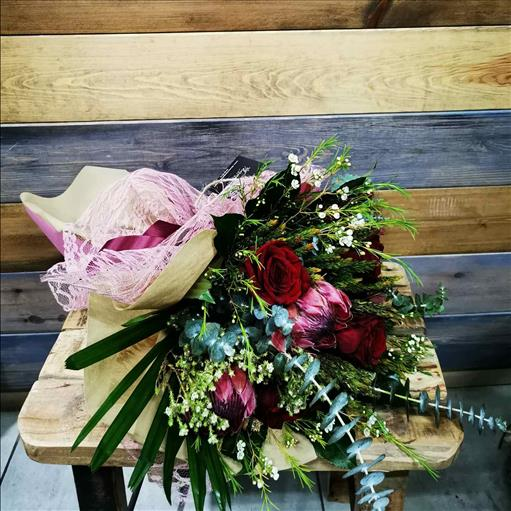 EXOTIC FLOWERS COMBINATE WITH RED ROSES