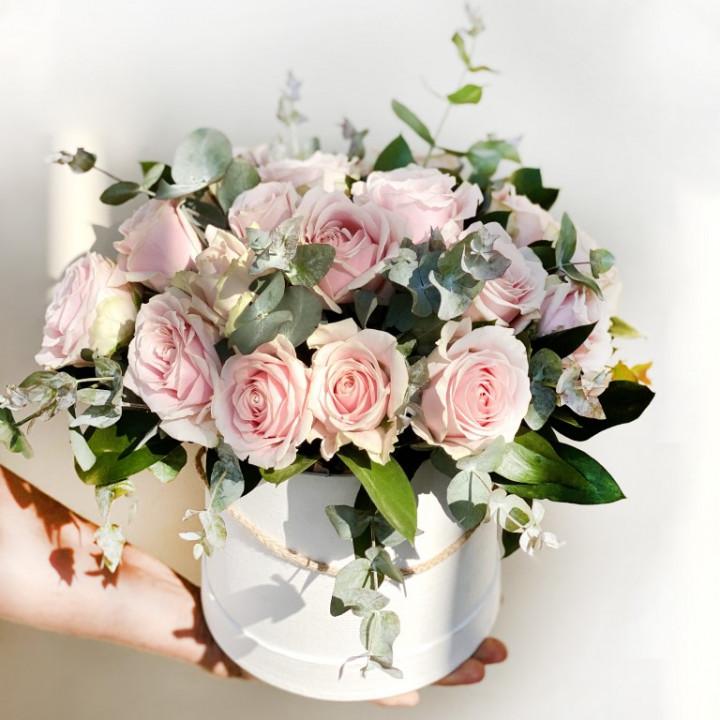 30 Pink Roses Flower Box