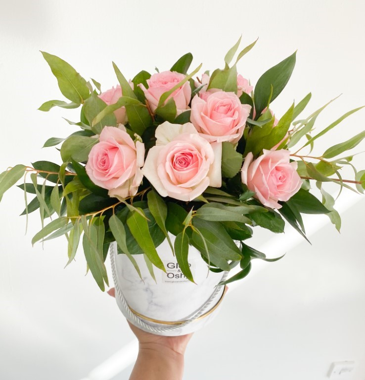 10 Pink Roses Flower Box
