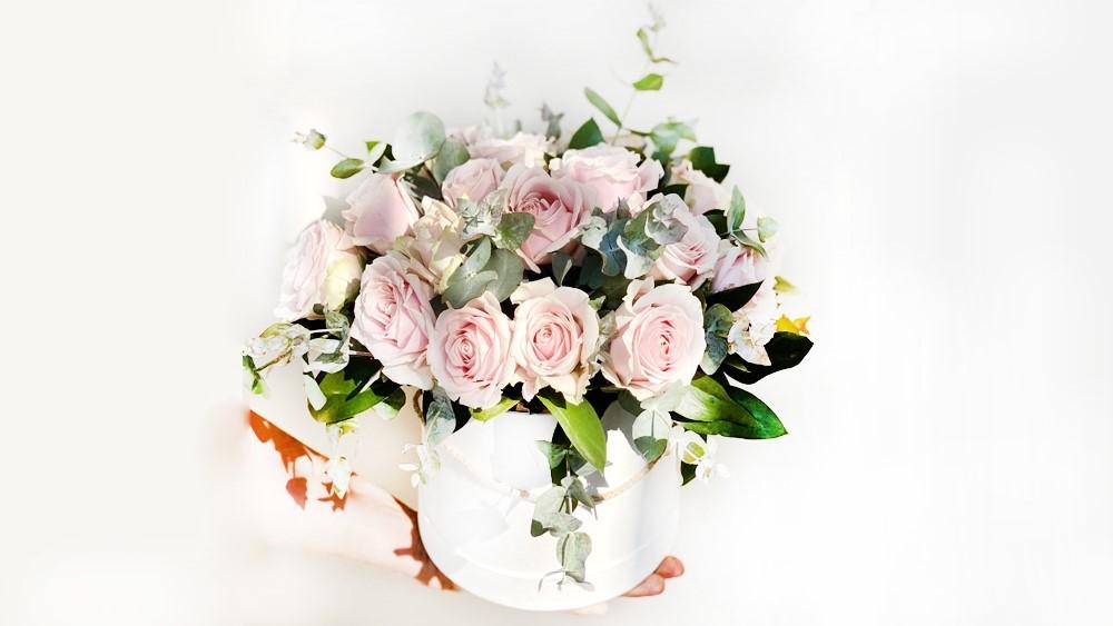 20 Pink Roses Flower Box