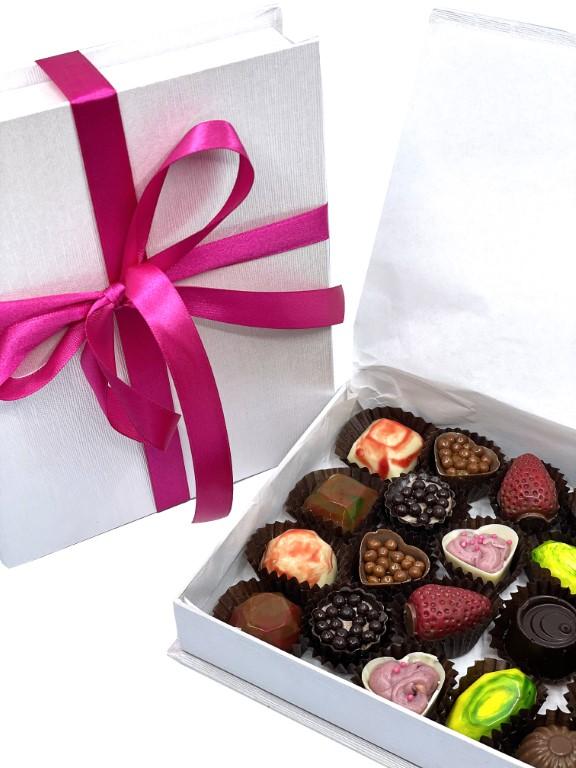 Feelings Chocolate & Wine Artisan Chocolate - Box of 22 Pralines