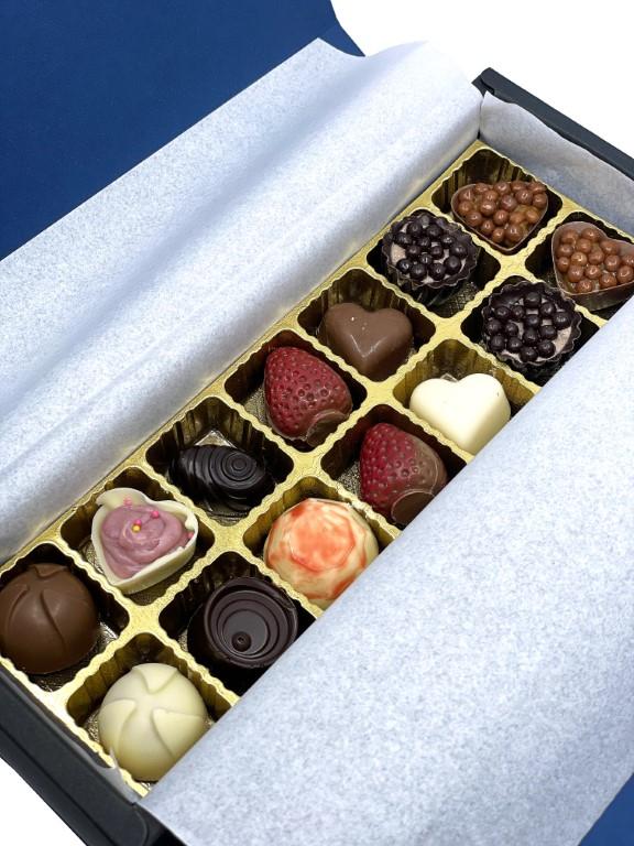Feelings Chocolate & Wine Artisan Chocolate - Box of 14 Pralines