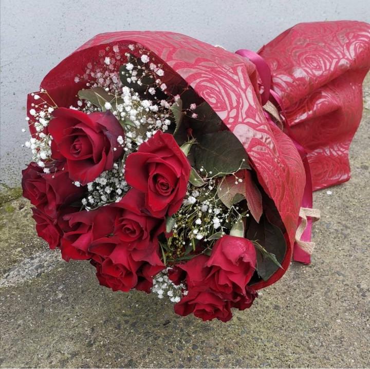 Big Red Roses-Greeneries-Ribbon