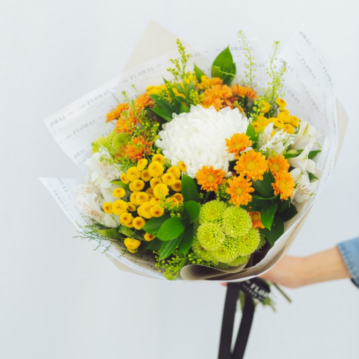 Seasonal Bouquet 50cm - 70cm