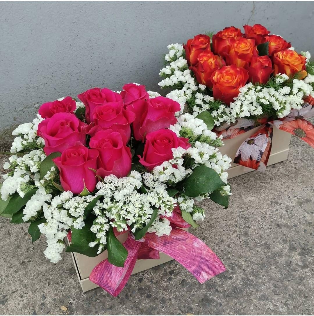 Square Box-Roses-Greeneries