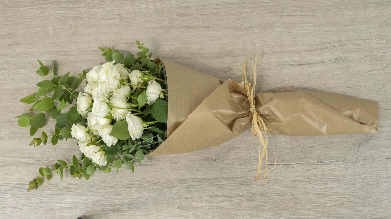 white mini rose bouquet