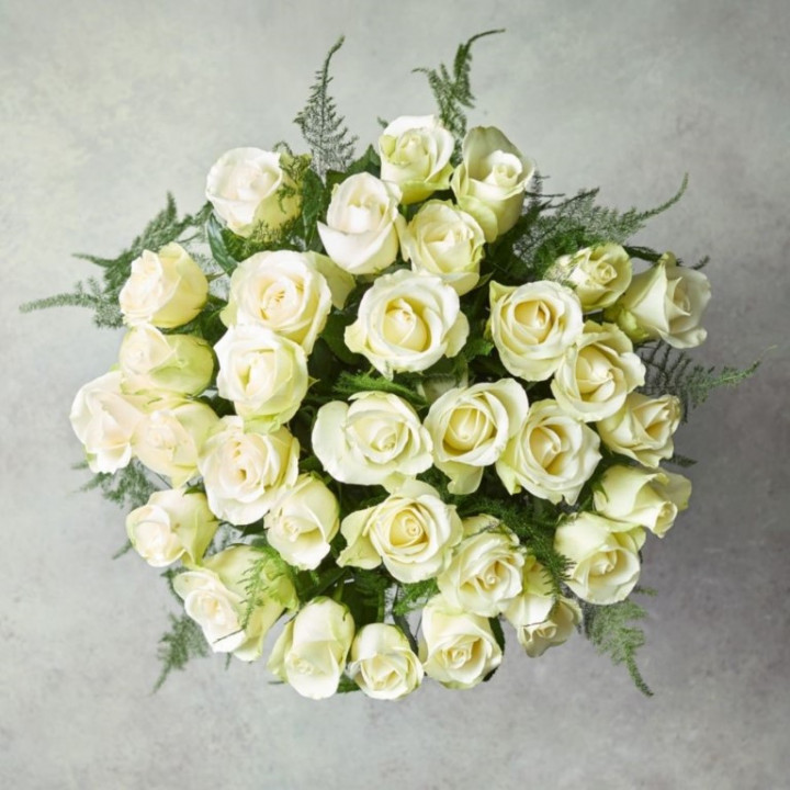 20 Roses White Bouquet
