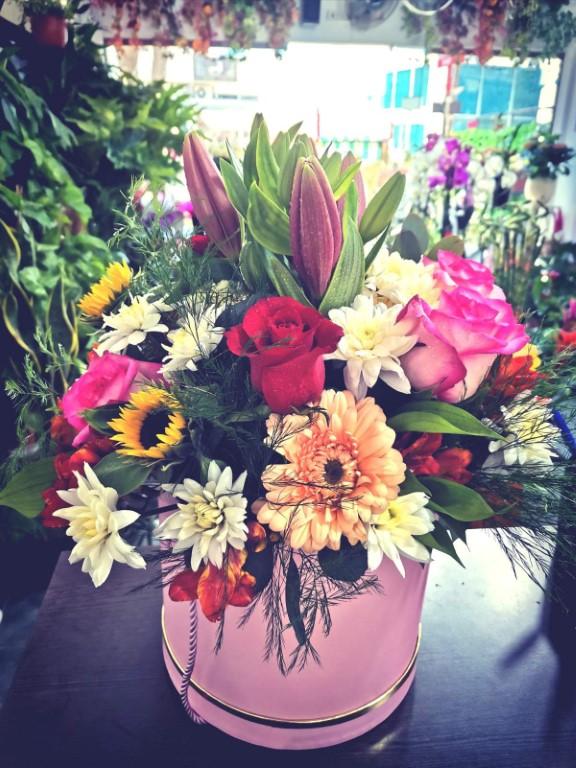 Mix Flower Arrangement In Box Medium