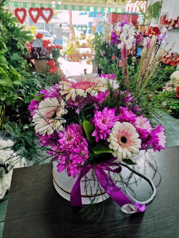 Mix Flower Arrangement In Box Small