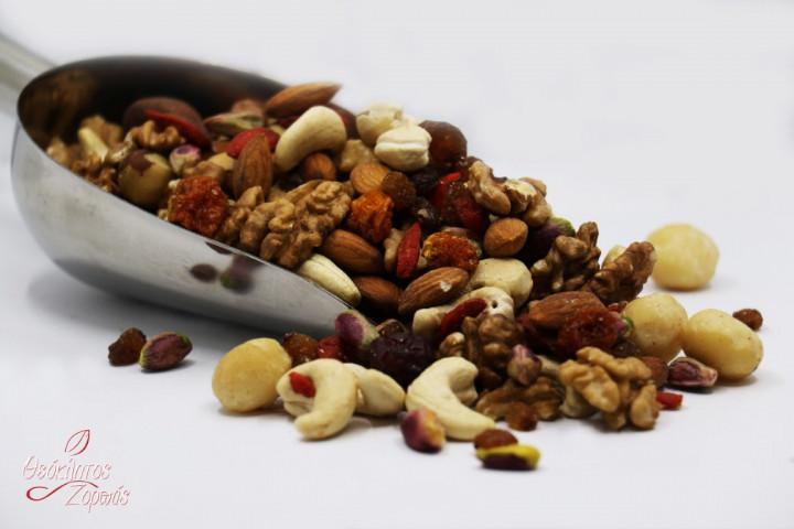 Raw Mixed Nuts with Dried Berries without Sugar / Διάφοροι ωμοί ξηροί καρποί με μούρα χωρίς ζάχαρη - 0.5kg
