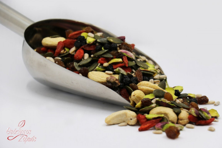 Raw Mixed Nuts with Dried Berries and Seeds / Διάφοροι ωμοί ξηροί καρποί με μούρα και σπόρους - 0.5kg