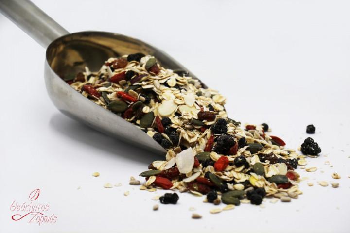 Muesli with Raw Nuts, Seeds, and Berries / Μούσλι με ωμούς ξηρούς καρπούς, σπόρους και μούρα - 1kg