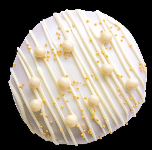 604. White Chocolate | Ντόνατ με γέμιση πραλίνας άσπρης σοκολάτας και επικάλυψη λευκής σοκολάτας, γαρνιρισμένο με πέρλες σοκολάτας