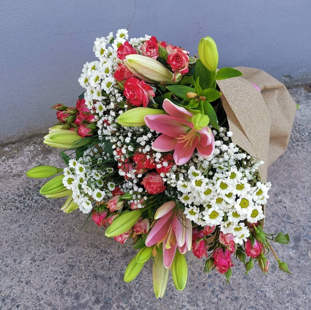 Mix of Classic Flowers