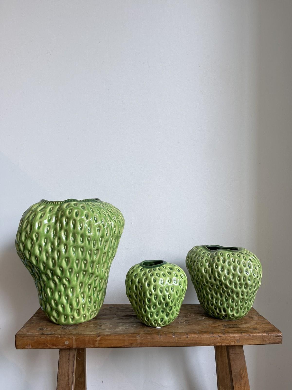 Strawberry-vase green medium