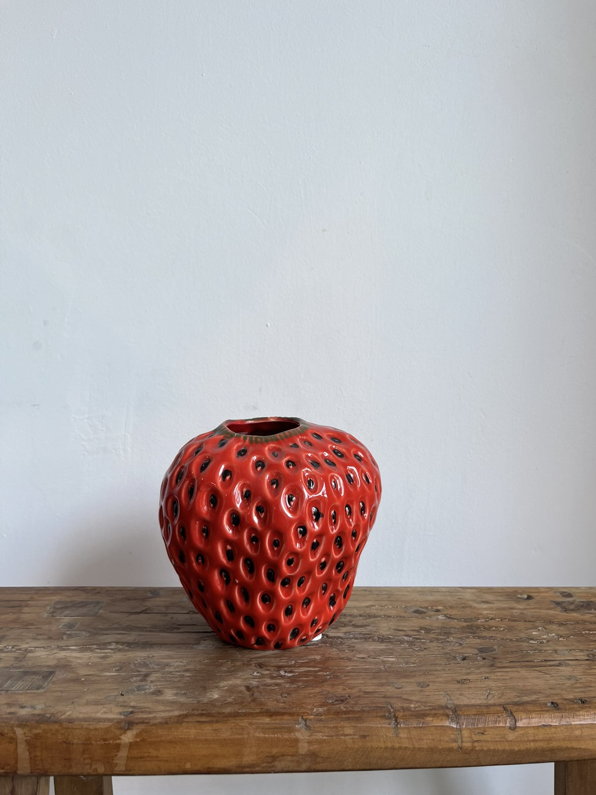 Strawberry-vase red small